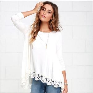 Pretty oversized ivory top with crotchet bottom